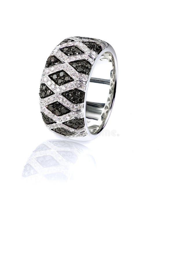 Czarny i biały diamentowy onyks brukuje ślub mody pierścionku zespołu obraz royalty free