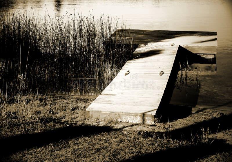 Czarny i biały dok fotografia stock