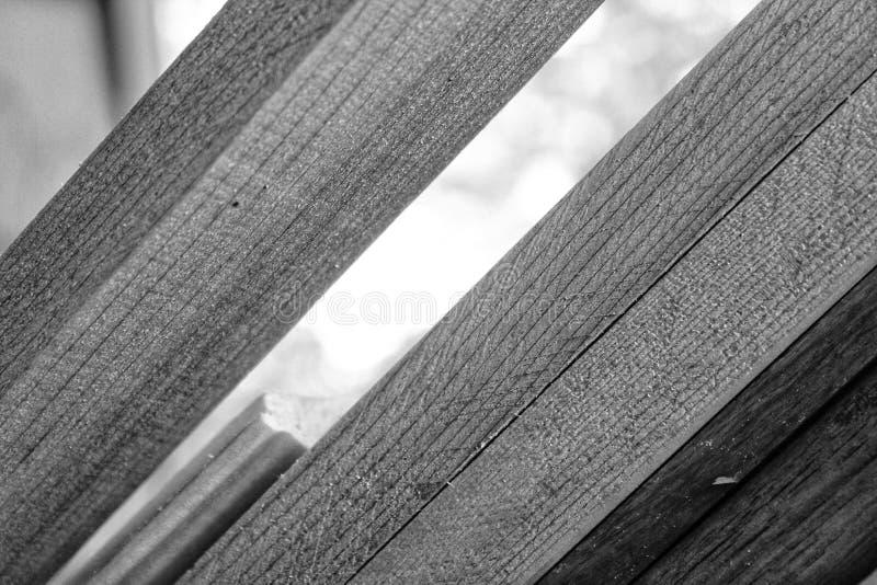 Czarny i biały drewno brogujący przy i kąt fotografia stock