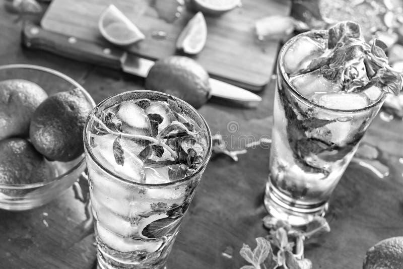 Czarny i biały fotografia, Caipirinha, mojito, alkoholiczka, lato, był obraz stock