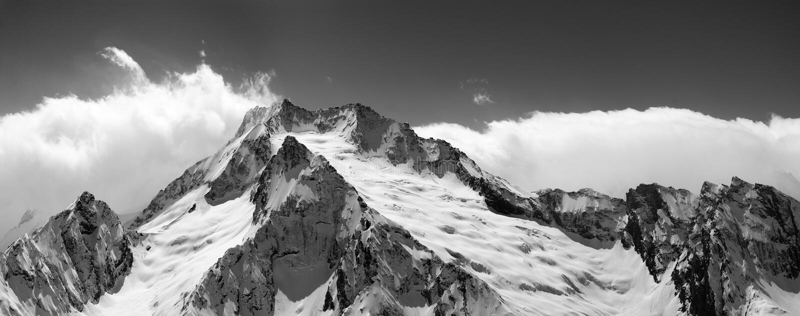 Czarny i biały halna panorama obraz royalty free