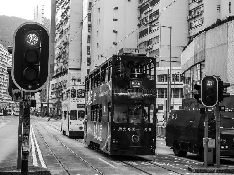 Czarny i biały Hongkong: Dec 9, 2016: Tramwaj na drodze w Hongkong zdjęcie stock