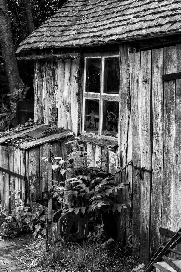 Czarny i biały krajobraz starzy blacksmiths warsztatowi w Victori fotografia stock