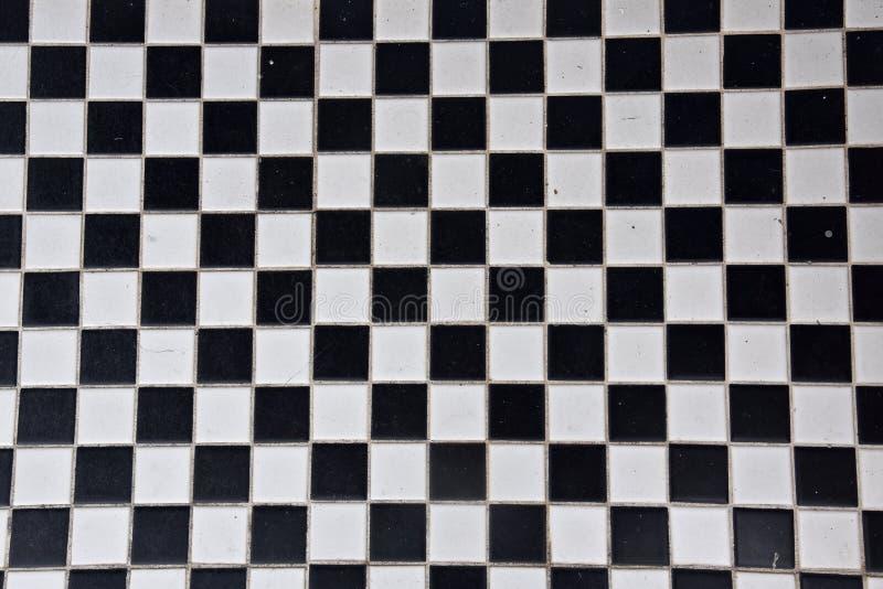 Czarny i biały płytka w checker deski wzorze fotografia royalty free
