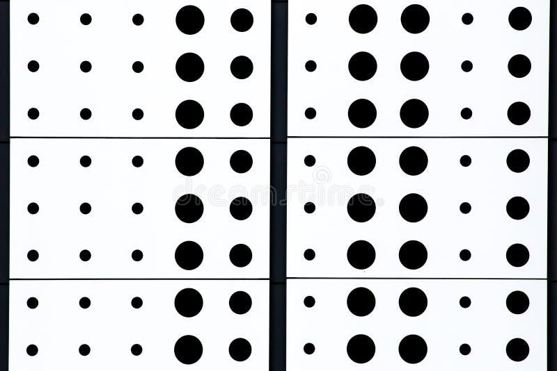 Czarny i biały polki kropki wzoru tło obraz stock