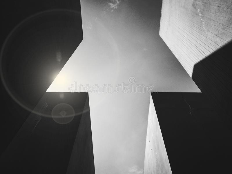 Czarny i biały strzał betonowi prostopadłościany zdjęcie royalty free