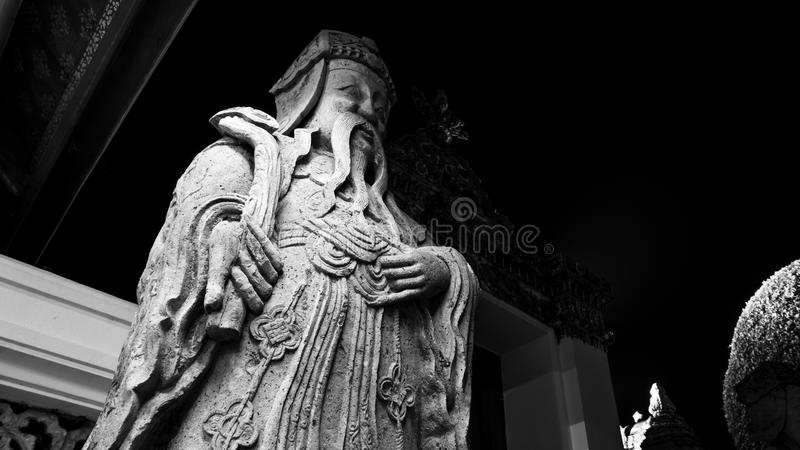 Czarny i biały stylowy wizerunek kamienna chińskiego stylu rzeźba zdjęcia stock