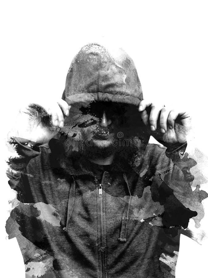 Czarny i biały sylwetka kapturzasty mężczyzna, odosobniona na czarnym tle kreatywnie Skutek Dwoisty ujawnienie Sylwetka Odizolowy zdjęcie royalty free