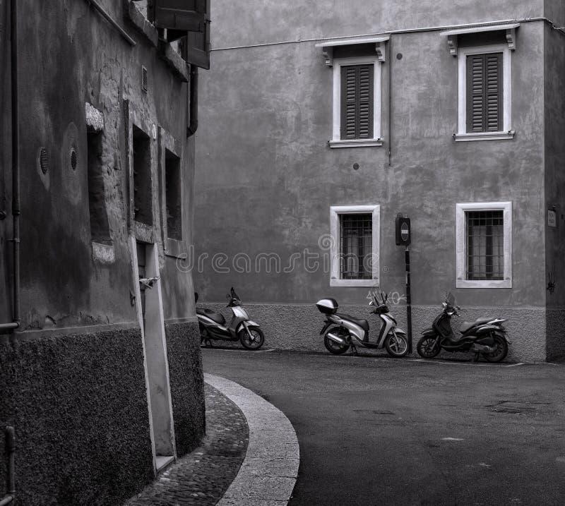 Czarny i biały ulicy Verona fotografia royalty free