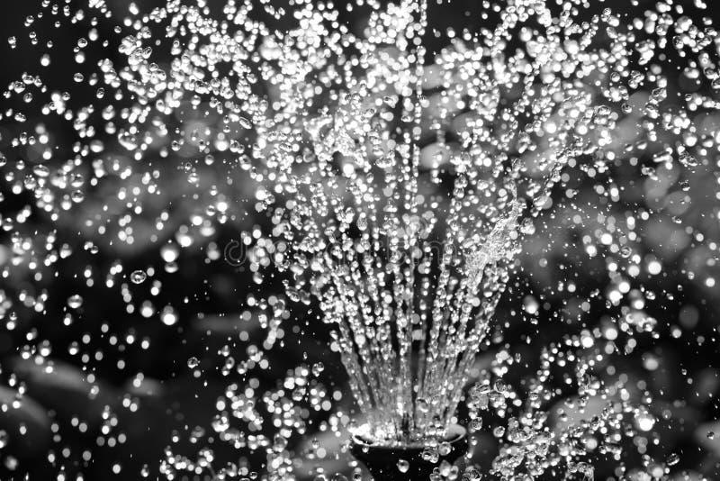 Czarny i biały wodna fontanna zdjęcia royalty free