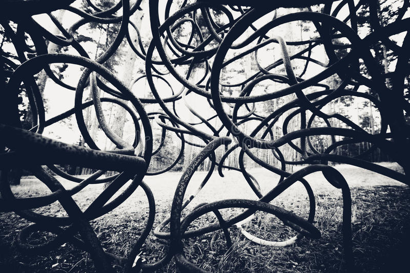 Czarny i biały wyginający się prącia tło obrazy stock
