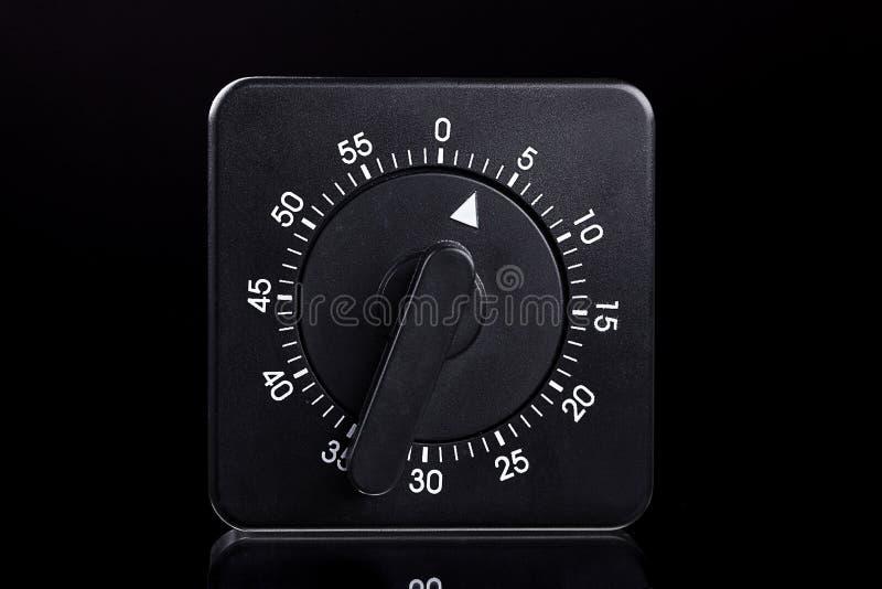 Download Czarny Jajeczny Zegar Z Odbiciem Obraz Stock - Obraz złożonej z domowy, czerń: 28966505