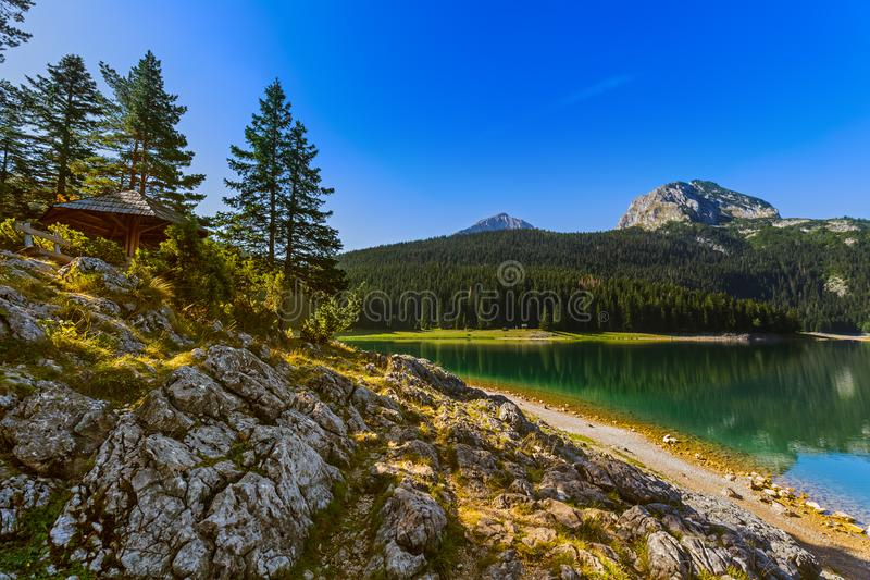 Czarny Jeziorny Crno Jezero w Durmitor, Montenegro - obrazy stock