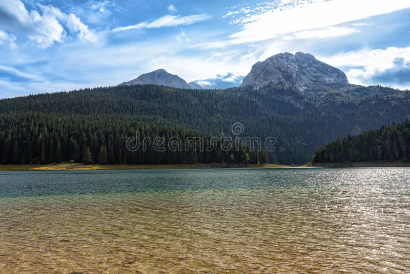 Czarny jezioro, północny Montenegro (Crno jezero) zdjęcia stock