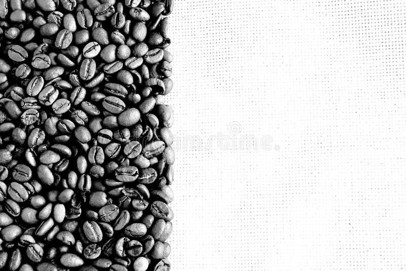 Download Czarny kawy wizerunku biel obraz stock. Obraz złożonej z orzeźwienie - 13330493