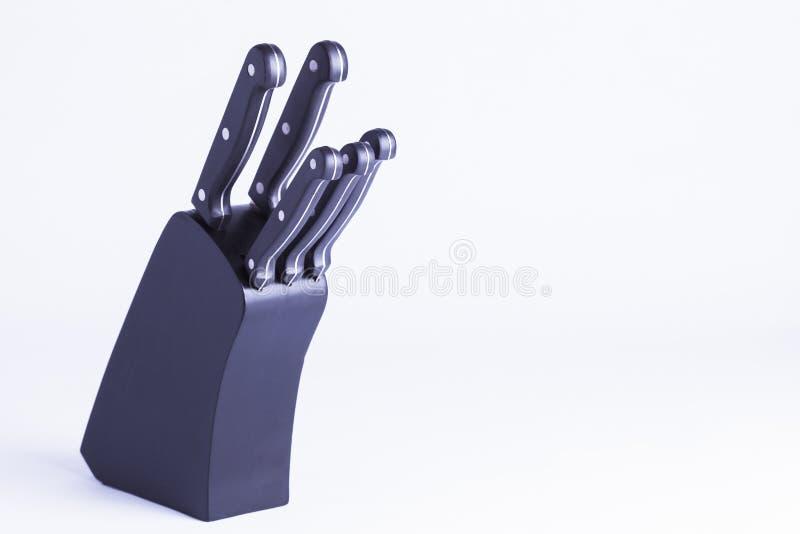 Download Czarny Knifeblock Odizolowywający Na Bielu Zdjęcie Stock - Obraz złożonej z essex, ostrzy: 57663730