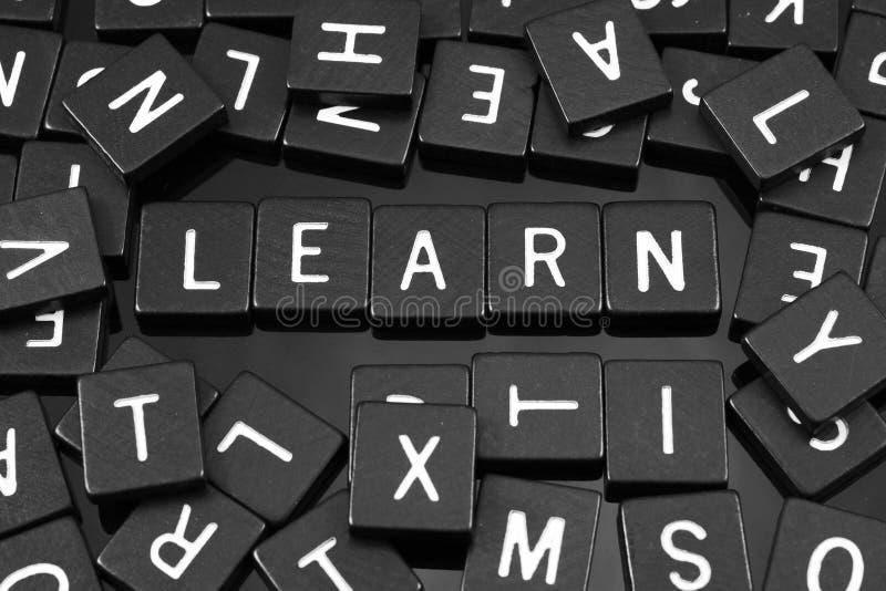 Czarny list tafluje literować x22 & słowo; learn& x22; obraz stock