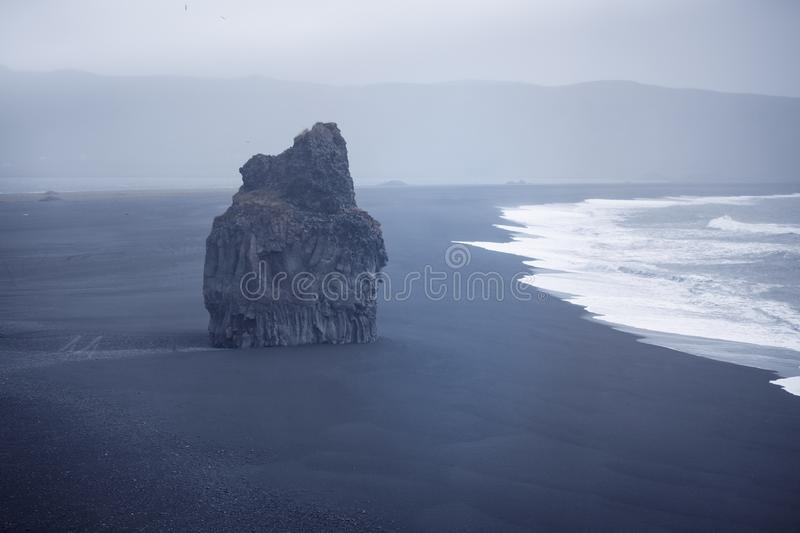 Czarny plażowy Dyrholaey, Iceland obraz royalty free