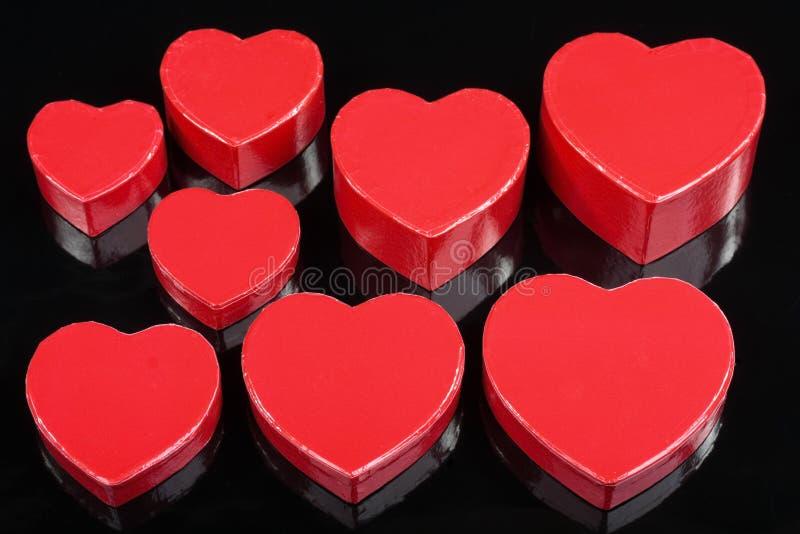 czarny pudełek szczegółu prezenta serca czerwień zdjęcie stock