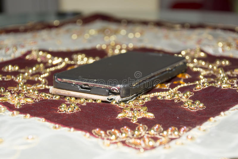 Czarny smartphone obraz royalty free