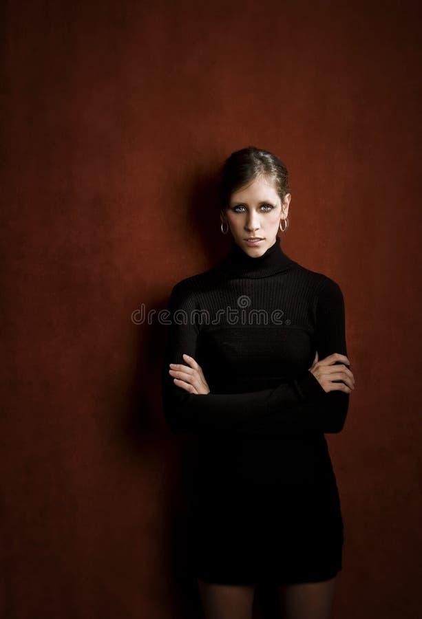 czarny smokingowa ładna kobieta fotografia stock
