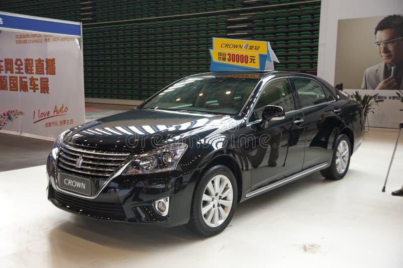 Czarny Toyota korony samochód zdjęcie stock