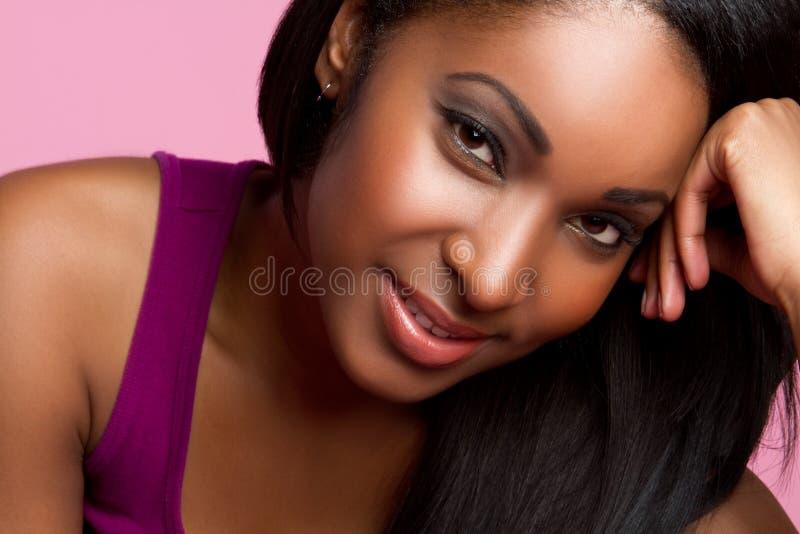 czarny uśmiechnięta kobieta obraz stock