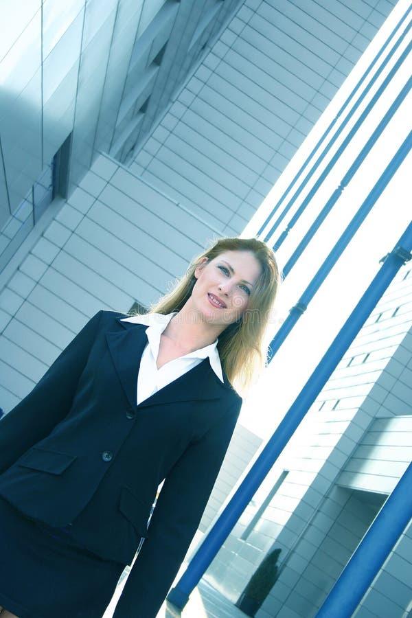 czarny wędkujący garnitur bizneswomanu odcień niebieskiego zdjęcie royalty free