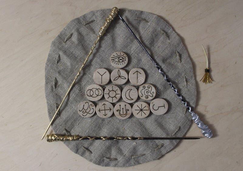 Czarownic runes i bieliźniana kieszonka zdjęcie stock