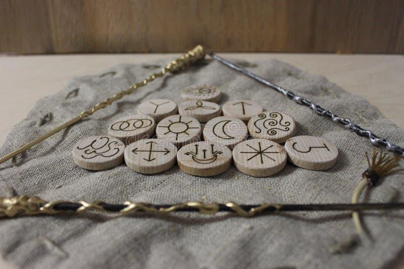 Czarownic runes i bieliźniana kieszonka fotografia stock