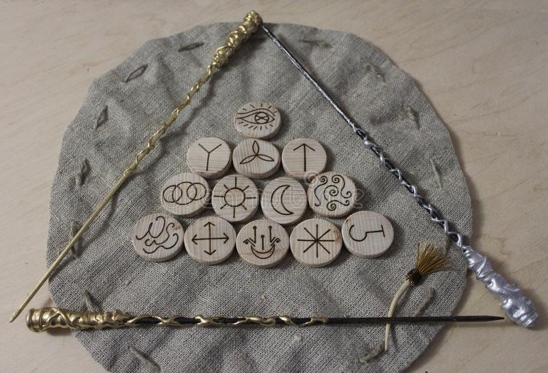 Czarownic runes i bieliźniana kieszonka obrazy royalty free