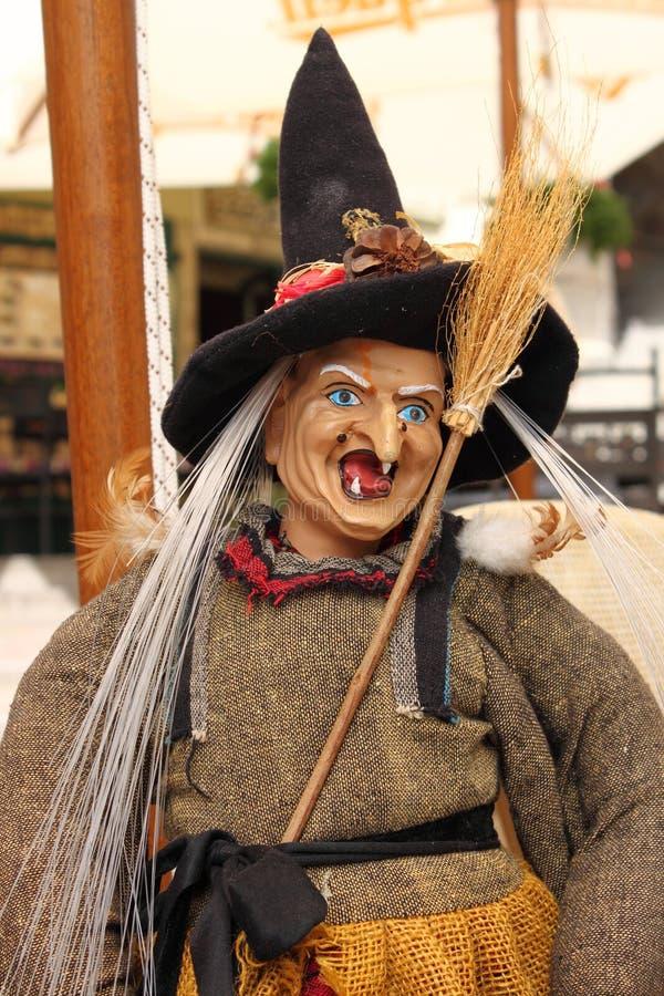 Czarownicy kukła z złośliwym uśmiechem zdjęcia stock