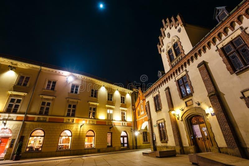 Czartoryski-Museum in der alten Stadt von Krakau nachts, Polen stockbilder