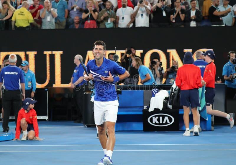 14 czasów wielkiego szlema mistrz Novak Djokovic Serbia świętuje zwycięstwo po jego półfinału dopasowania przy 2019 australianem  obraz stock