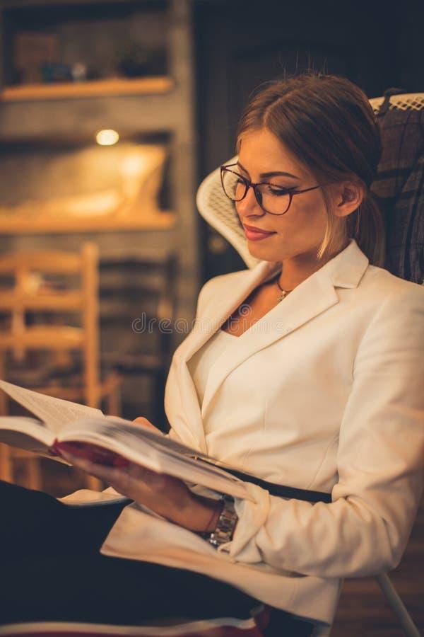 Czas dla książki zdjęcia royalty free