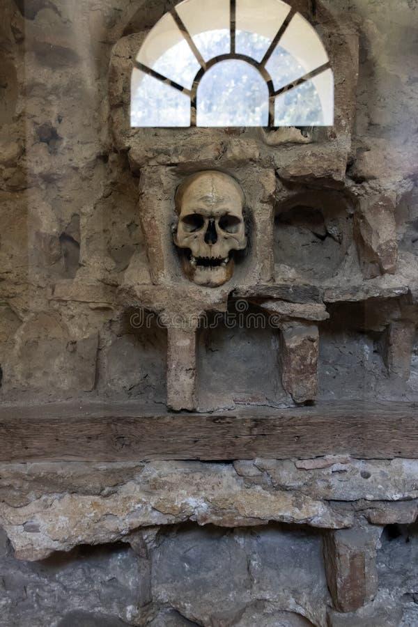 Czaszki wierza Cel Kula- budował od 3000 czaszek nieżywi Serbscy wojownicy po powstania w 1809 w mieście Nis, Serbia obrazy stock