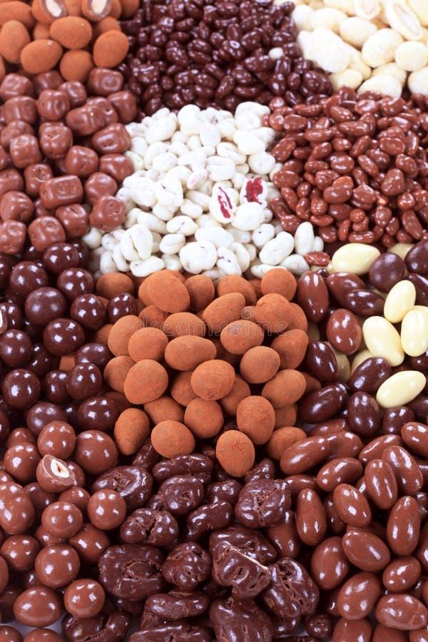 czekolada zakrywać owocowe dokrętki obrazy stock