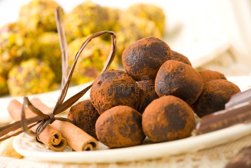 czekoladki ręcznie zdjęcie royalty free