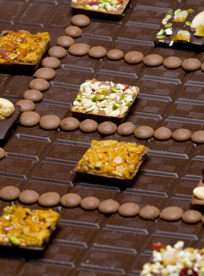 czekoladowi bary z czekoladowymi cukierkami obrazy stock