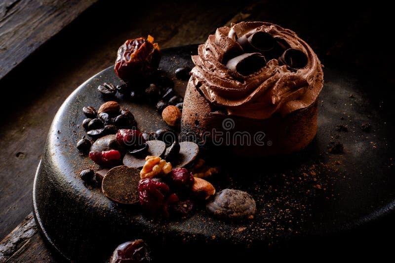 Czekoladowy cheesecake z czekoladowym łosiem amerykańskim obrazy stock