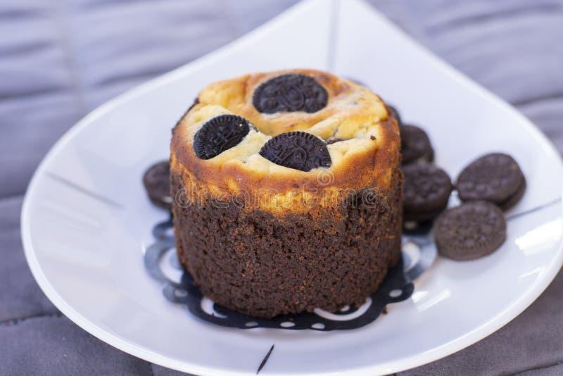 Czekoladowy ciastka słodka bułeczka z ciastkami obraz stock