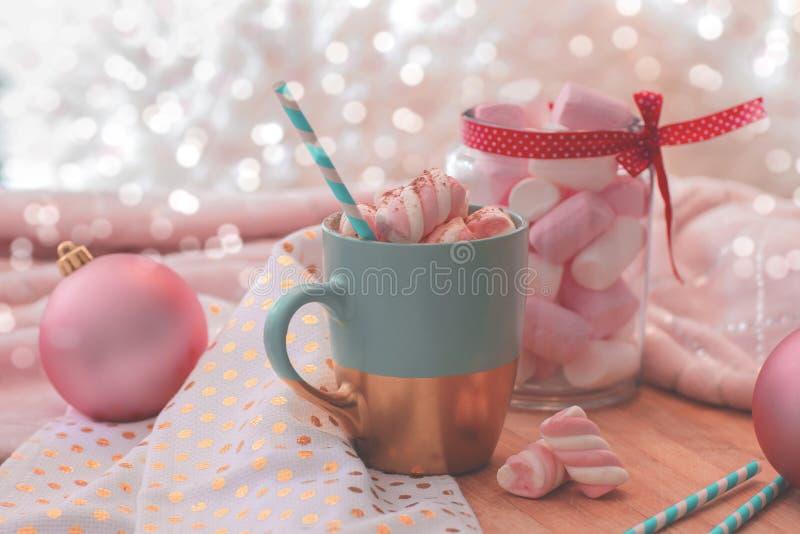 czekoladowy gorący marshmallow Wakacyjny uczucie wigilii prezentów wakacje wiele ornamenty zdjęcie stock