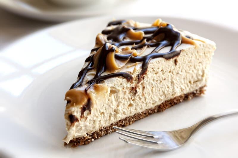 Czekoladowy karmelu Cheesecake obraz royalty free