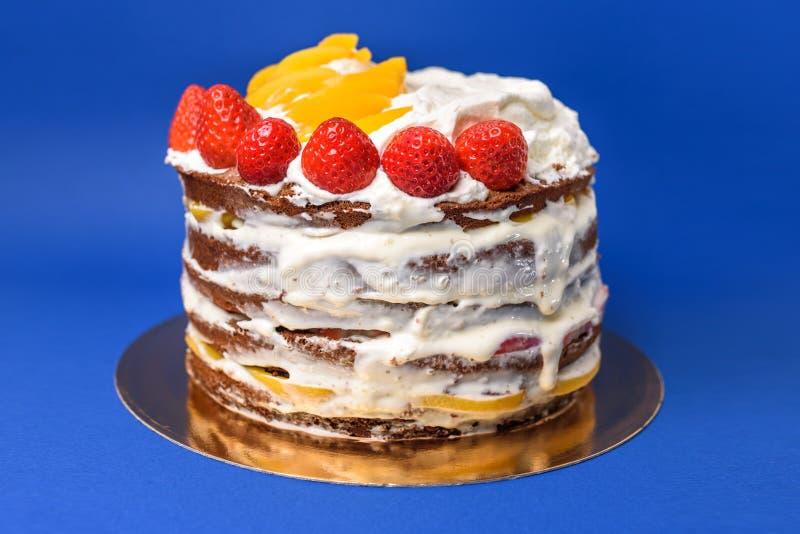 Czekoladowy nagi tort zdjęcia royalty free