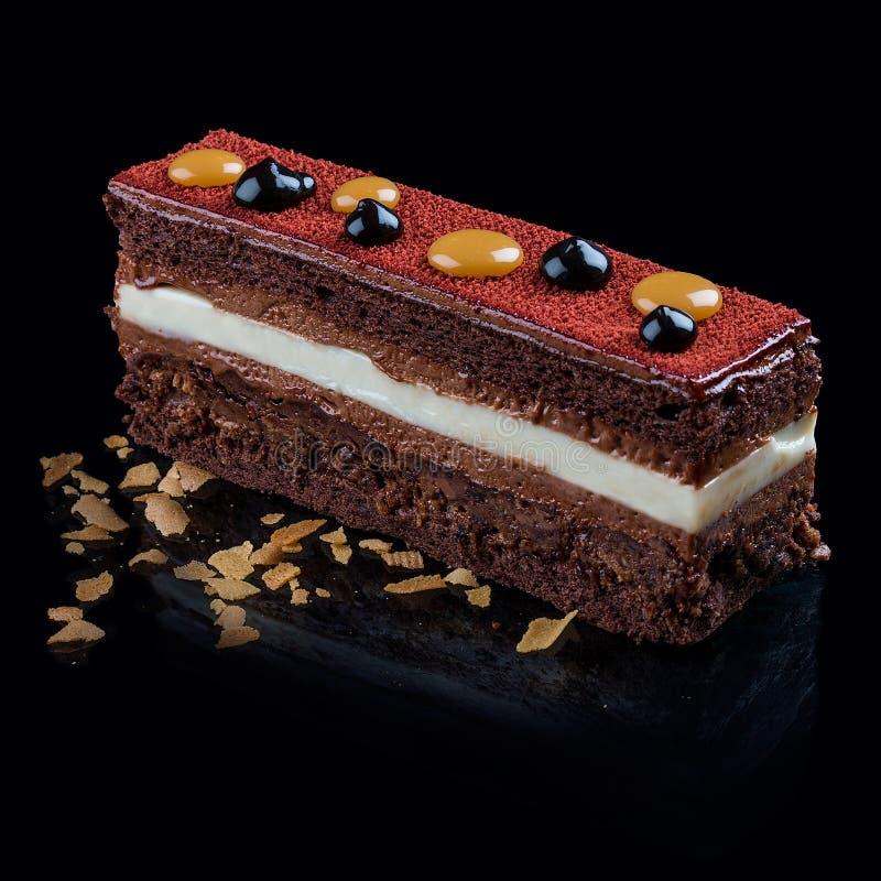 Czekoladowy tort z Francuskim zephyr fotografia royalty free