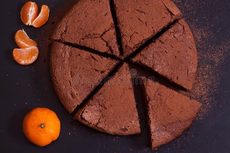 Czekoladowy tort z mandarynką obrazy royalty free