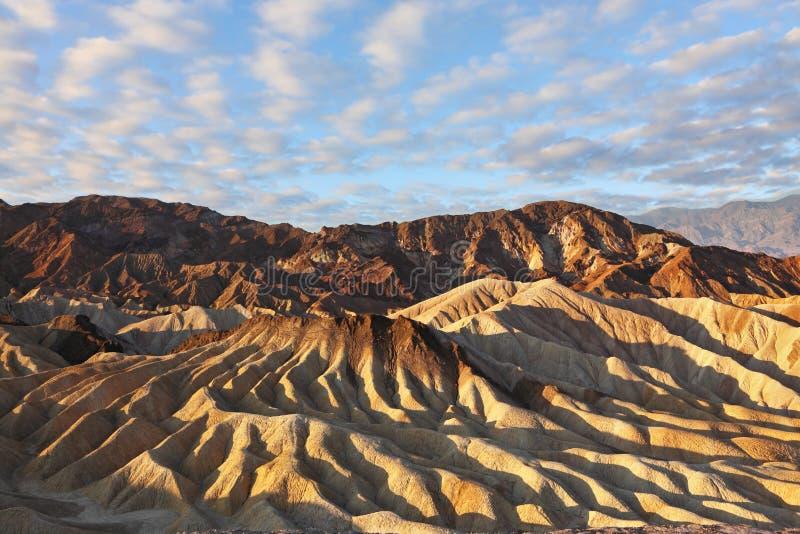 czekoladowych wzgórzy odcieni różowy zmierzchu kolor żółty zdjęcia royalty free