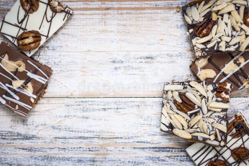 Czekolady barkentyna na drewnianym tle zdjęcie stock