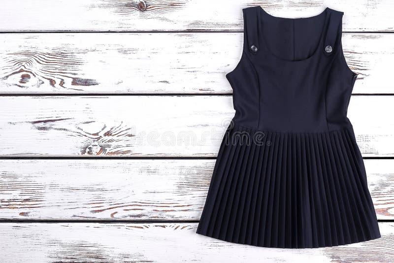 Czerń plisująca klasyk suknia dla uczennicy fotografia stock