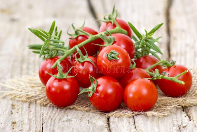 Czereśniowi pomidory obrazy royalty free